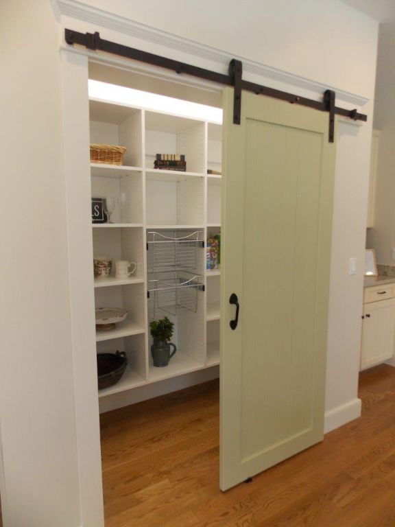Closet-pic-pantry-2