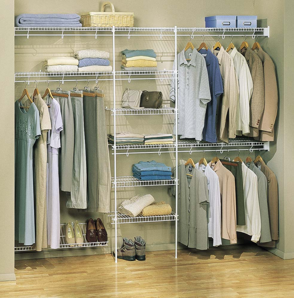 Sharon organizers use wire shelving in walk-in closet design